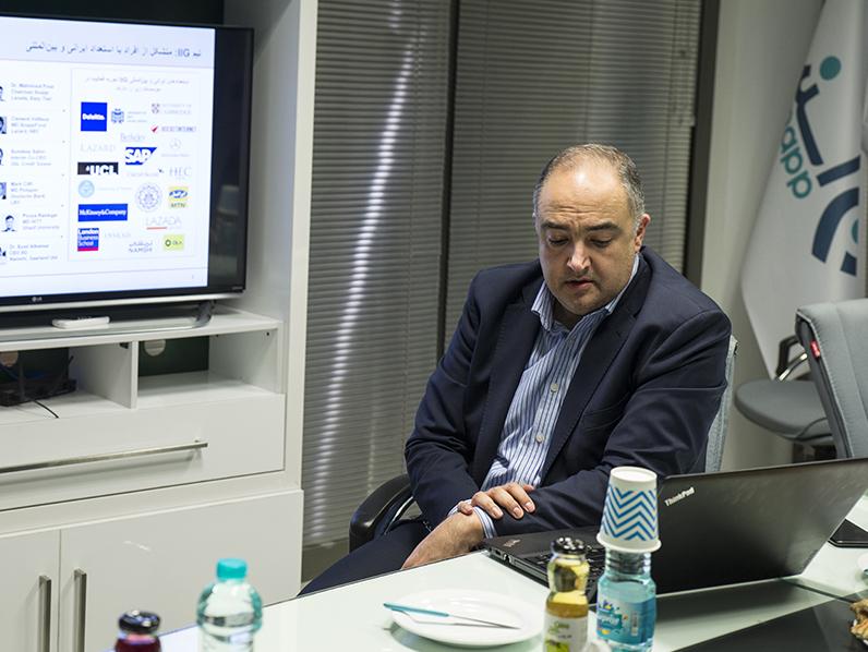 ژوبین علاقبند نایب رئیس هیئت مدیره اسنپ
