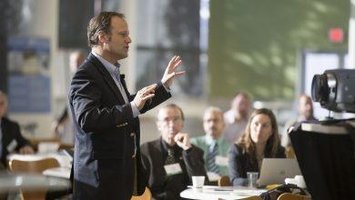 معرفی 7 نرم افزار ارائه رایگان که هر کارآفرینی باید بشناسد
