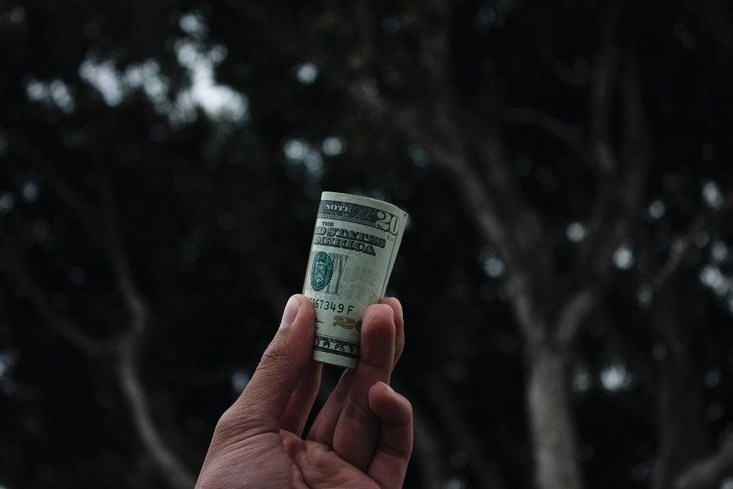 اثرات بسته جدید ارزی دولت بر نرخ ارز چه خواهد بود ؟
