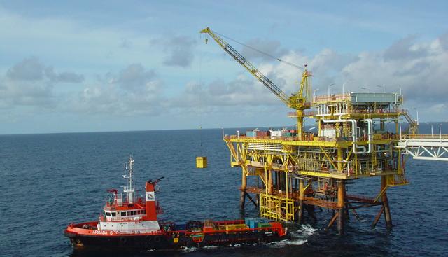 هماندیشی و توسعهی تعاملات مشترک با شرکتهای دانشبنیان دریایی تقویت میشود.