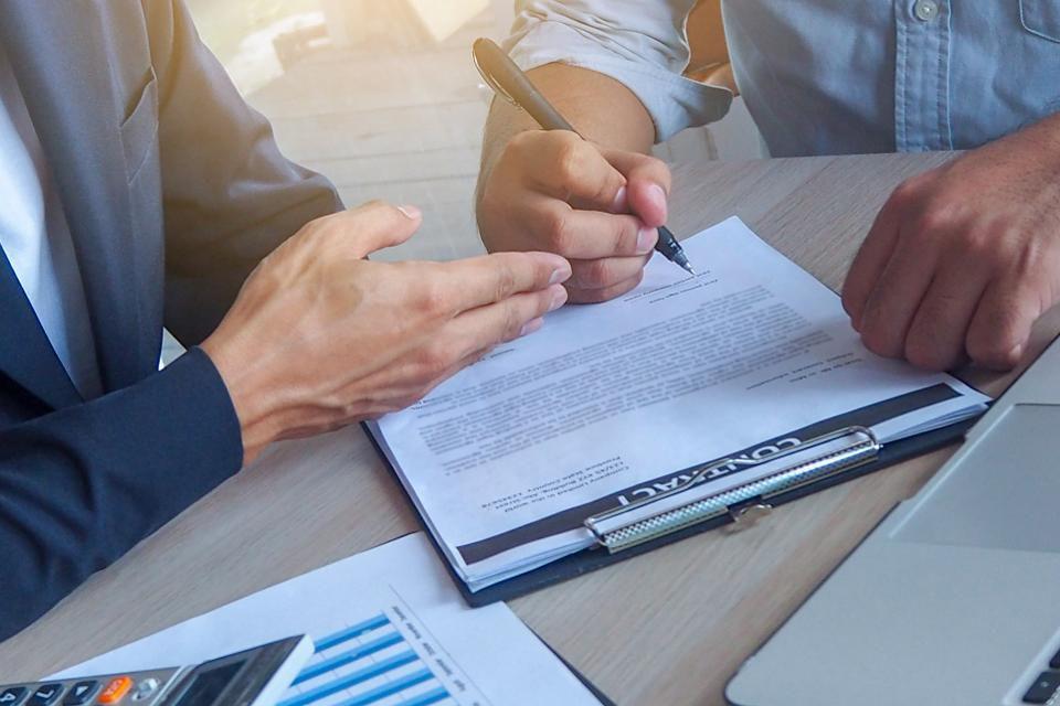 ضرورت قراردادهای امضا شده در استارتاپ ها