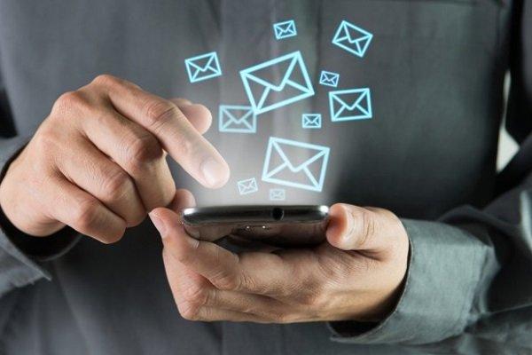 درآمد اپراتورها از پیامک موبایل به صفر رسید