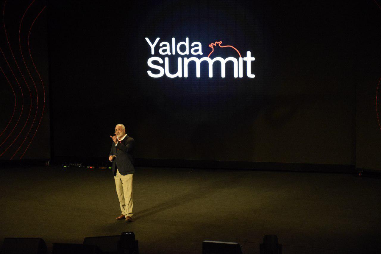 سخنرانی انگیزشی فریدون کورنگی مدیر شتاب دهنده مپس در یلدای کارآفرینی