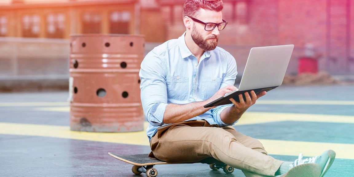 بررسی تفاوتها و مزایای کسب و کار الکترونیک و تجارت الکترونیک