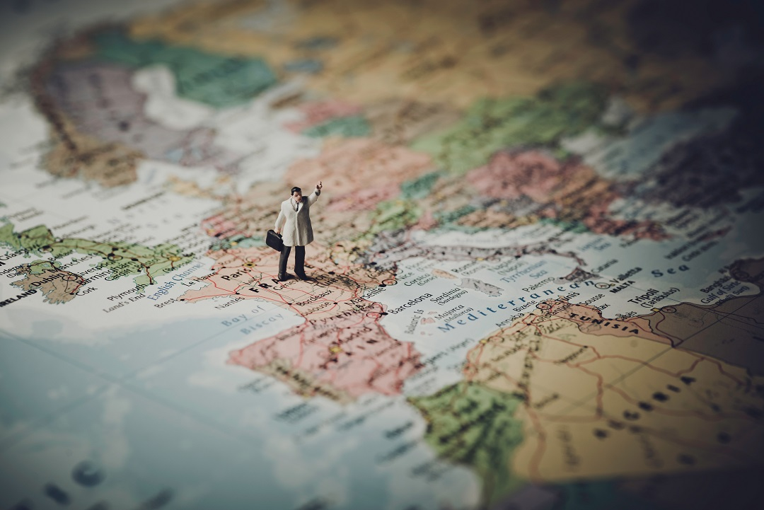 ارائه اطلاعات در ارتباط با انواع گردشگری و مقصدهای گردشگران
