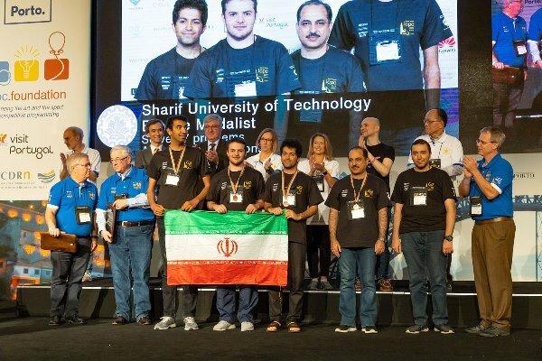 دانشجویان دانشگاه صنعتی شریف مدال مسابقات جهانی برنامه نویسی را کسب کردند.
