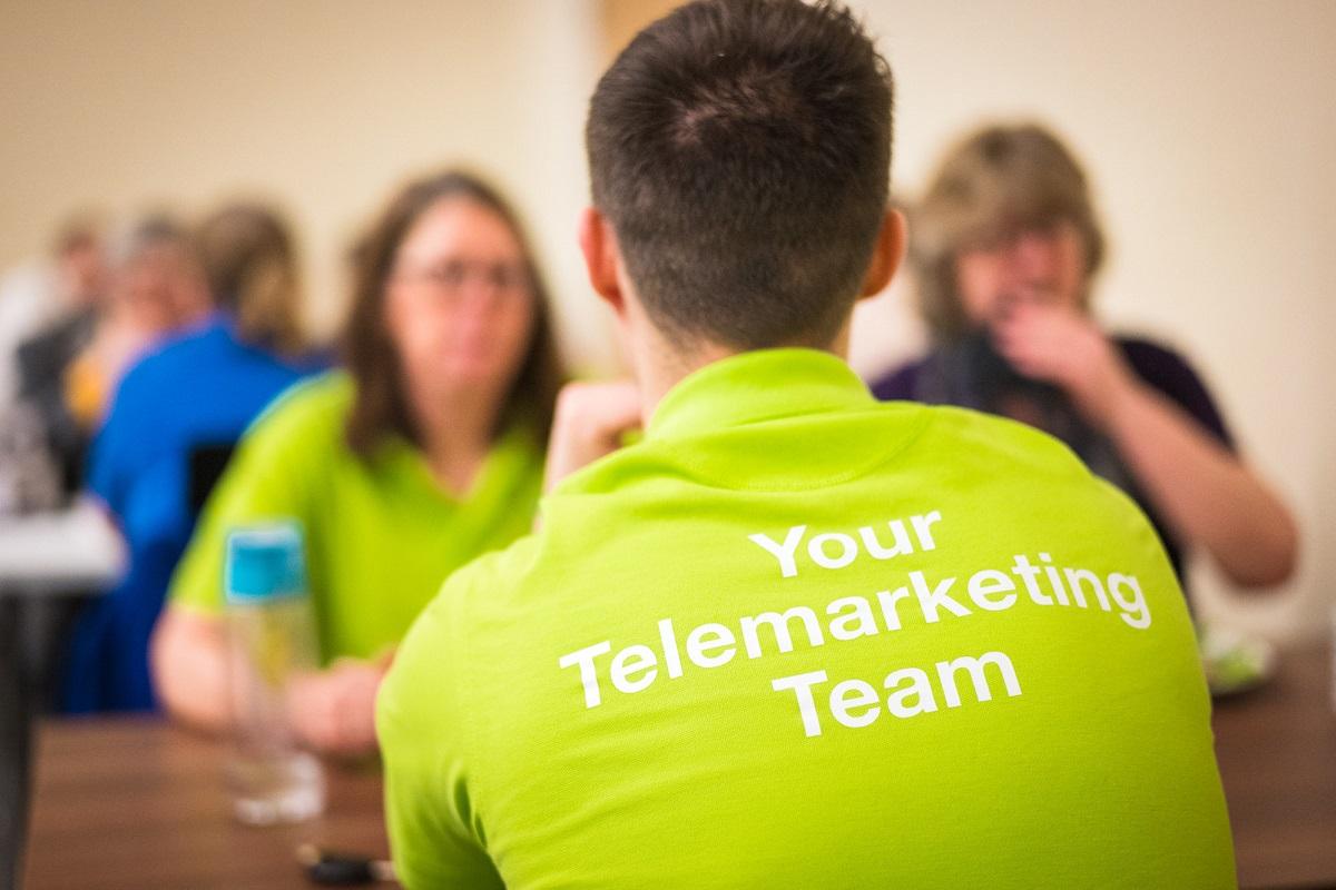 تیم بازاریابی تلفنی