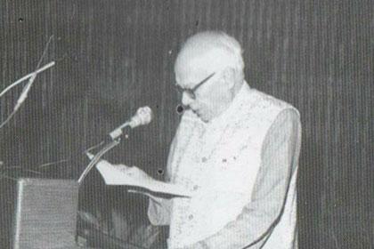 اختر حمید خان