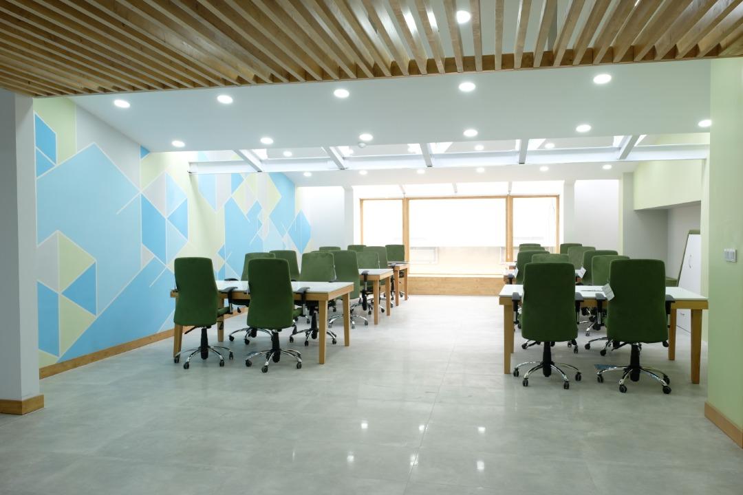 فضای کاری مرکز نوآوری مانا