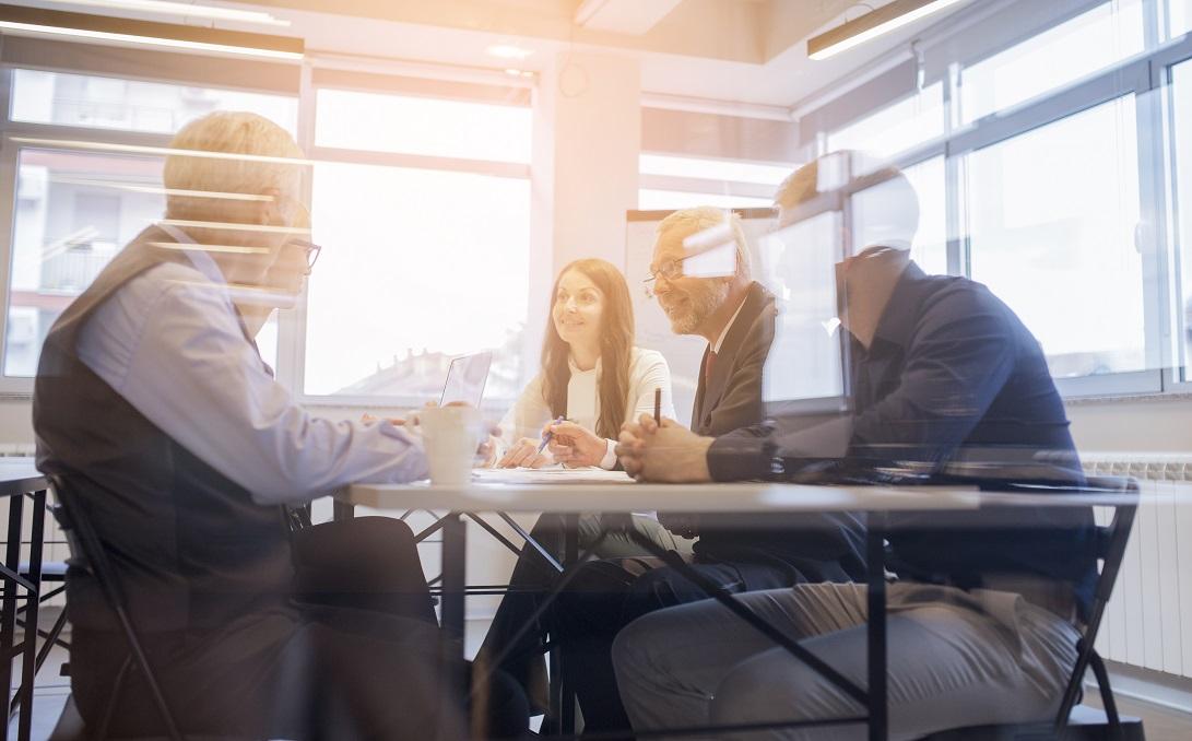 بررسی مهمترین وظایفی که مدیران باید برای پیشرفت و موفقیت یک تیم انجام دهند.