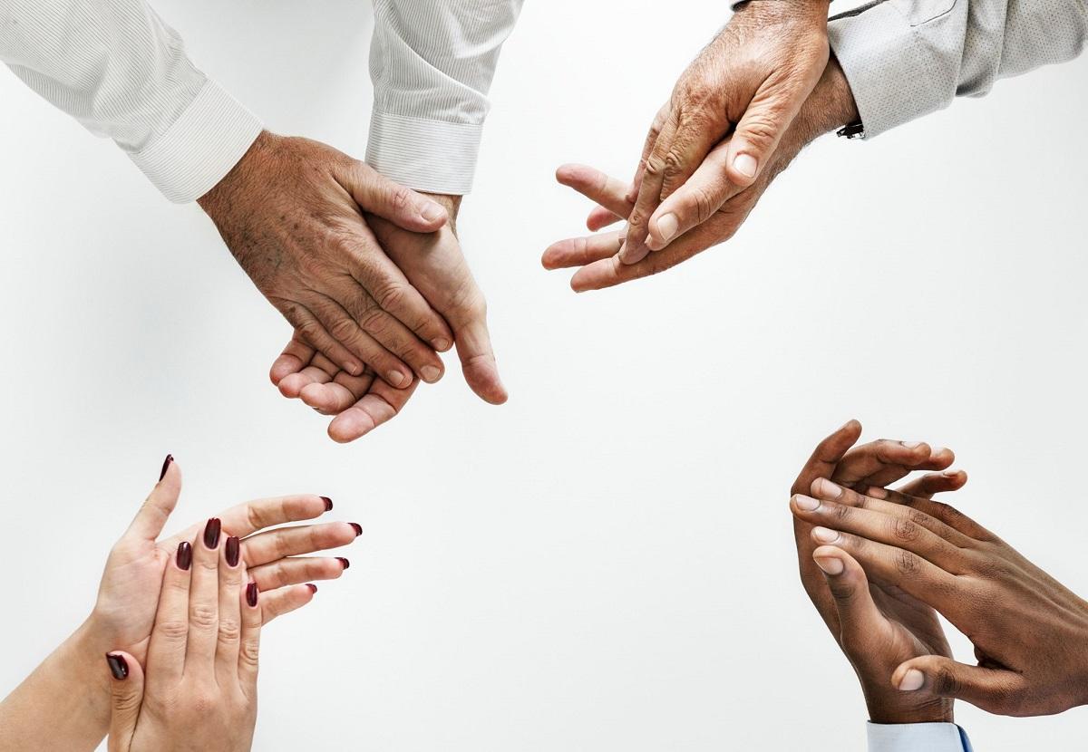 توسعه مهارت های حل مسئله و تمرین تیم سازی