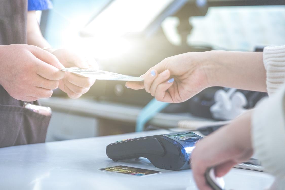 پرداخت بدون تماس و پرداخت الکترونیکی چگونه کار میکنند؟