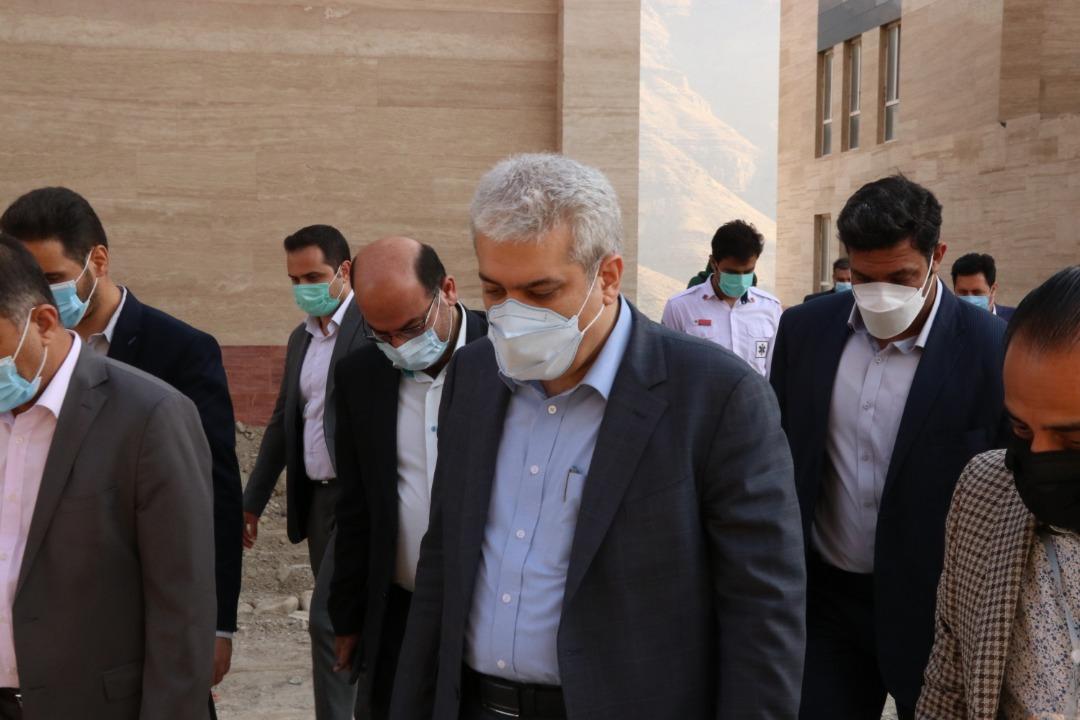 بازدید دکتر ستاری از کارخانه نوآوری و صنایع خلاق البرز