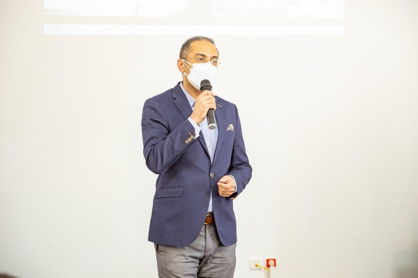 دکتر گرمابی، رئیس دانشکده مهندسی پلیمر و رنگ دانشگاه صنعتی امیرکبیر