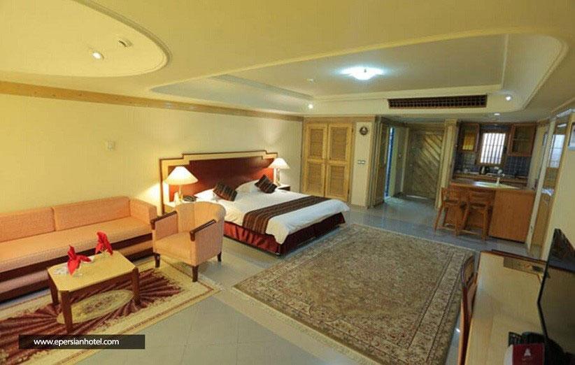 اتاق های وسیع در هتل توریست توس مشهد